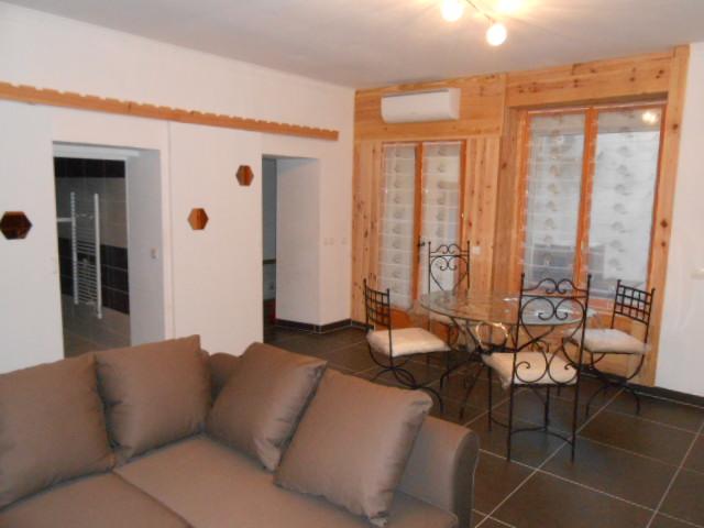 Nuit Romantique Apparthotel 50m du Chateau de Beaucaire location Chambres et Appartements nuit week end vacances