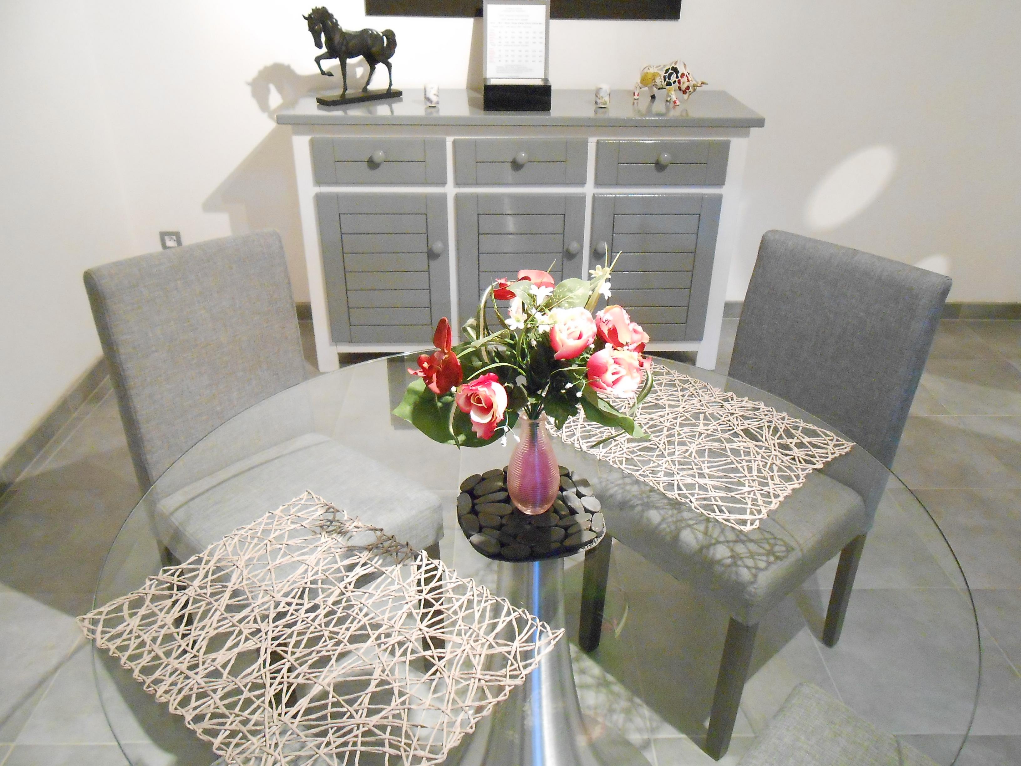table romantique la maison d 39 olivier. Black Bedroom Furniture Sets. Home Design Ideas