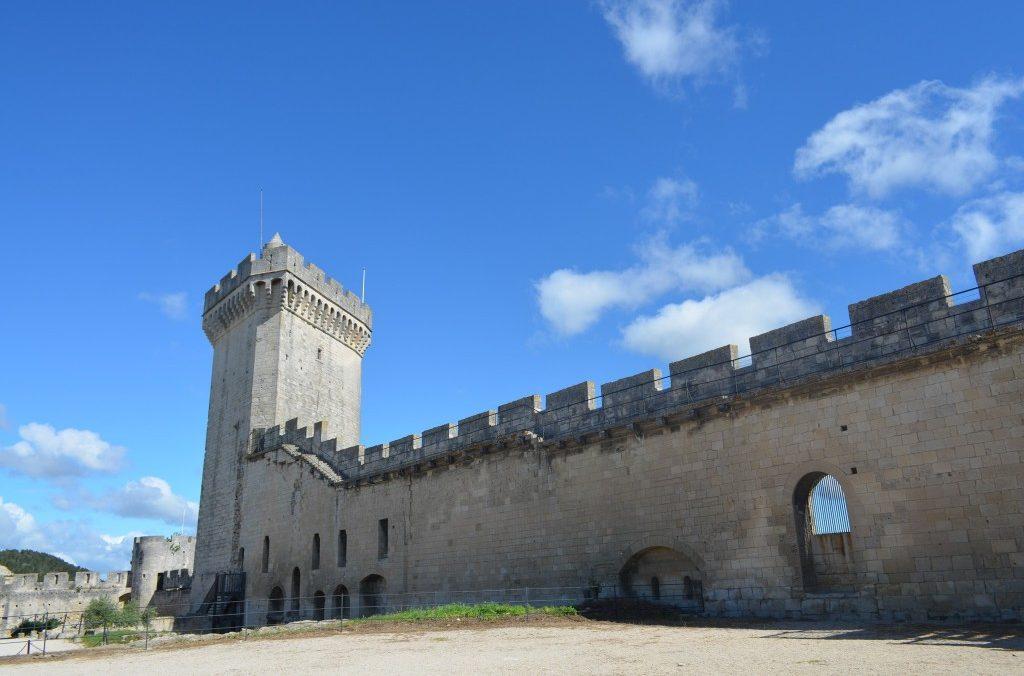 Forteresse de Beaucaire 30300, entree a 50 metres de La Maison d'Olivier