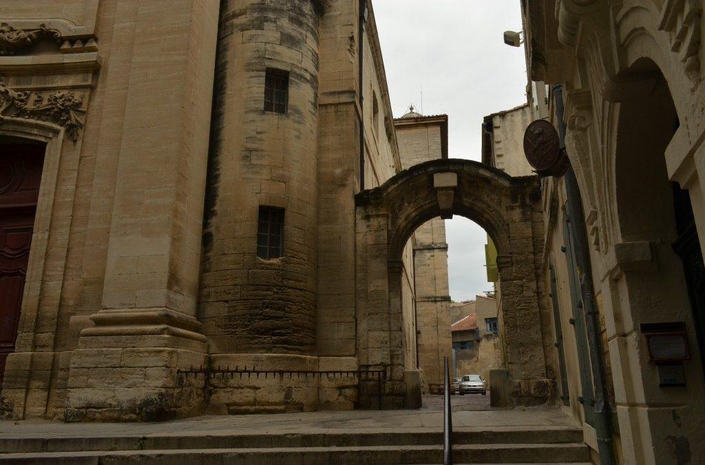 Notre Dames des Pommiers, Centre Historique 30300 Beaucaire, à 200 metres de La Maison d'Olivier