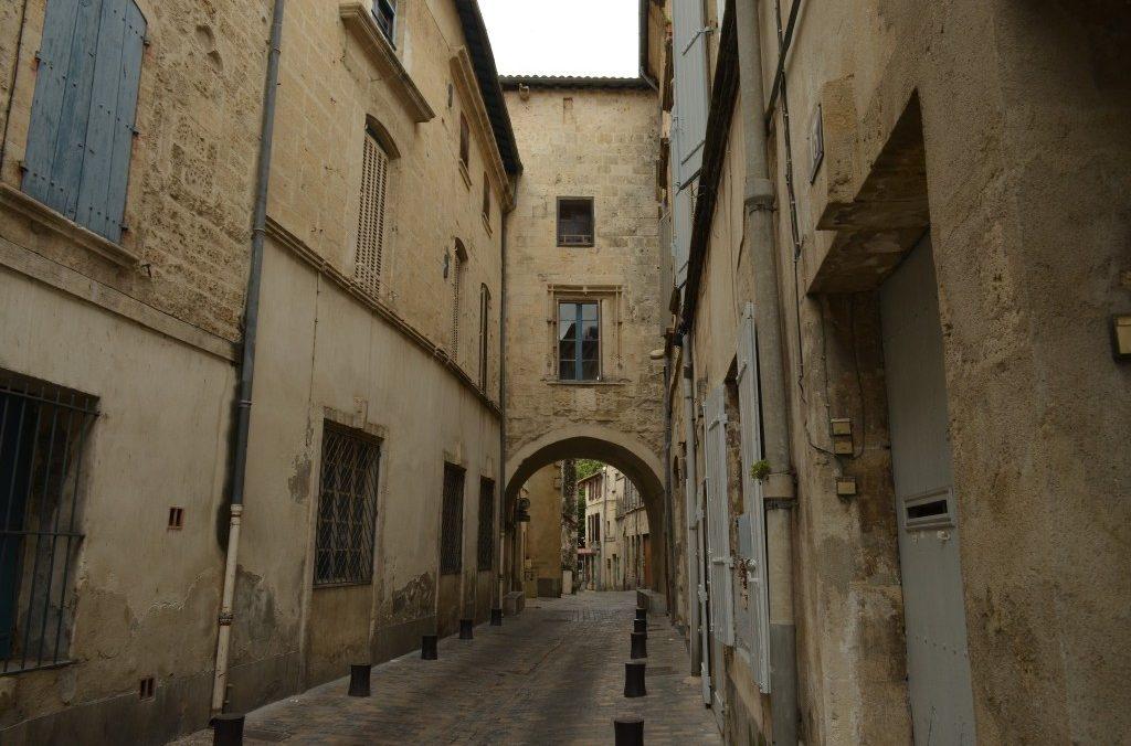 Rue Republique , (rue Haute de la Draperie) Centre Historique 30300 Beaucaire