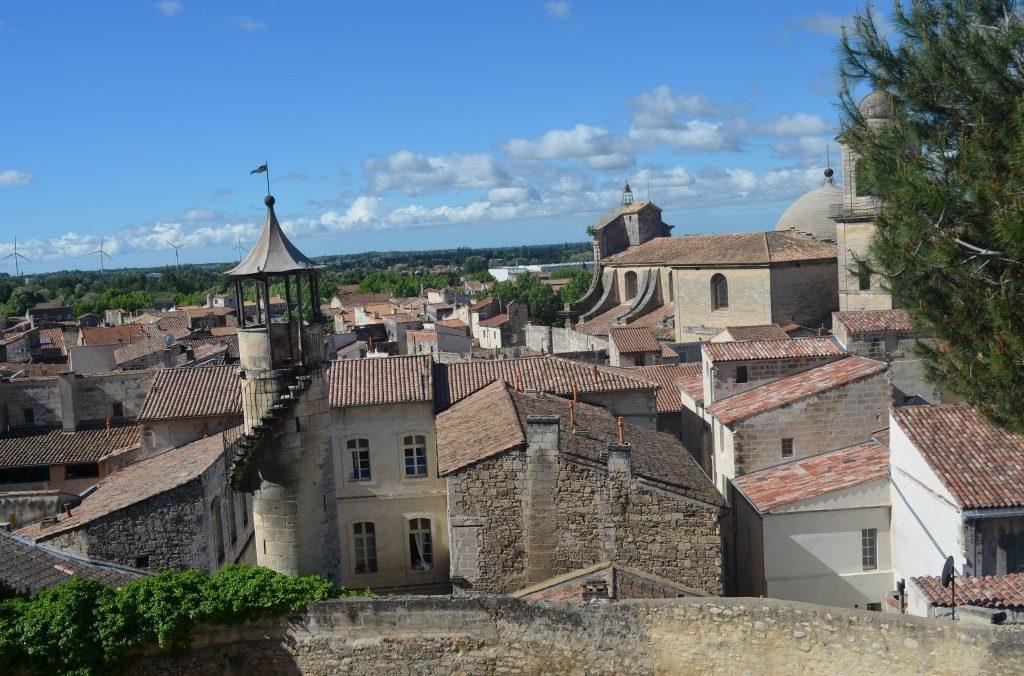 vue du jardin historique Chateau Beaucaire