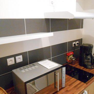 Micro onde Bouilloire cafetiere plaque de cuisson La Maison d'Olivier Beaucaire Tarascon
