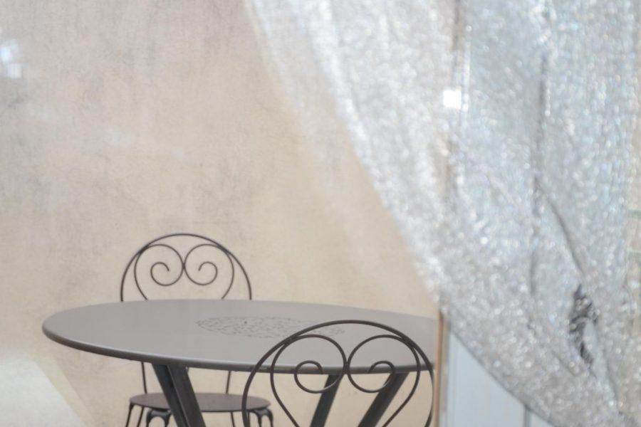 Cuisine terrasse Studio Beaucaire La Maison d'Olivier