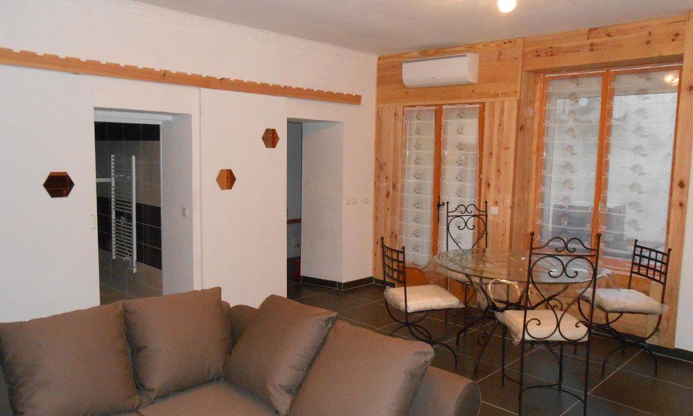 Nuit-Romantique-Apart-hotel-centre-Beaucaire-location-Chambre-et-Appartement-nuit-week-end-vacances