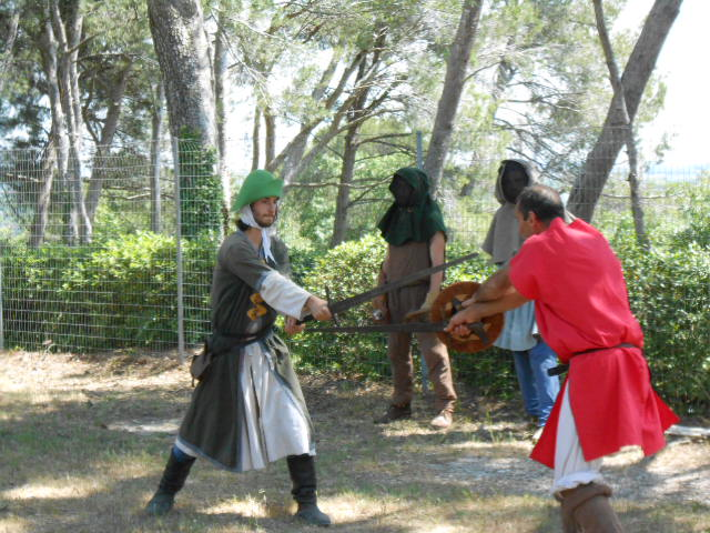 combats-journees-medievales-beaucaire