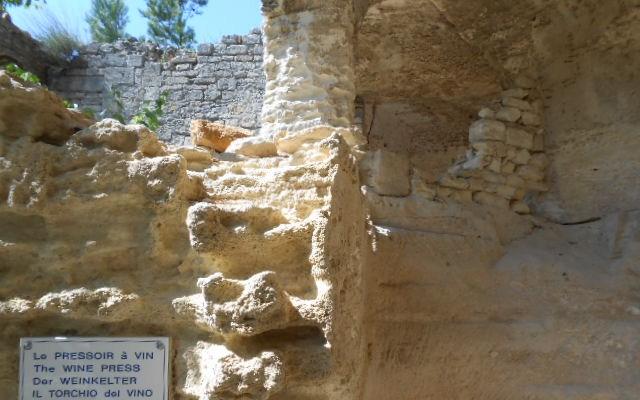 Abbaye St Roman Beaucaire