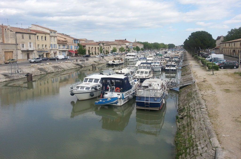 Le Port Fluviale de Beaucaire 30300, à 400 metres de La Maison d'Olivier