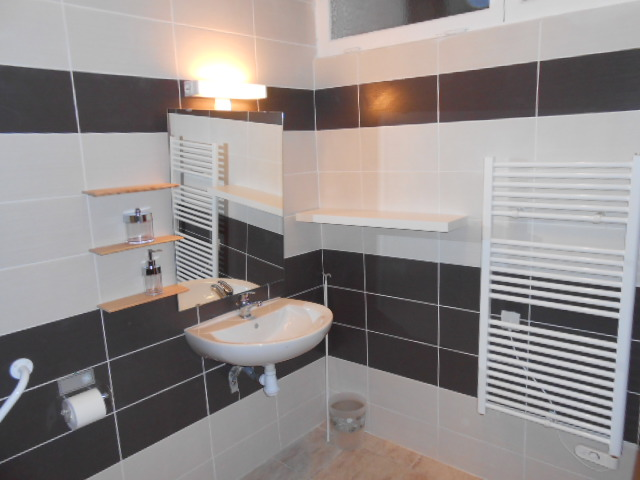Appartement Meuble Mixte equipe PMR style Hotel a la nuit week end sud de la France