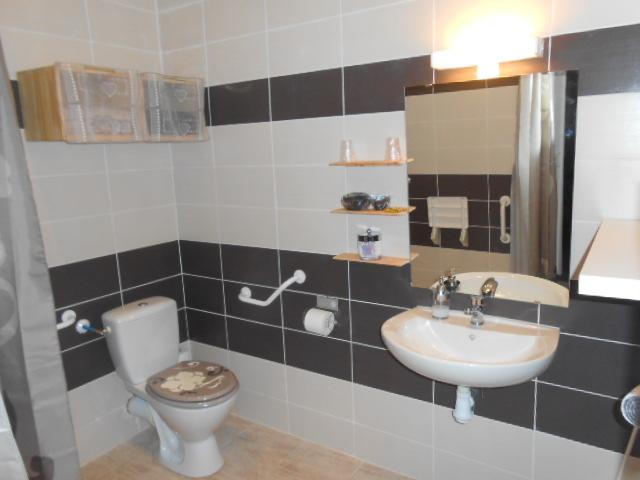 Beaucaire Appartement meuble PMR Maison Hotes nuit week end vacances